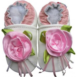 Chaussons en cuir Roses fond blanc